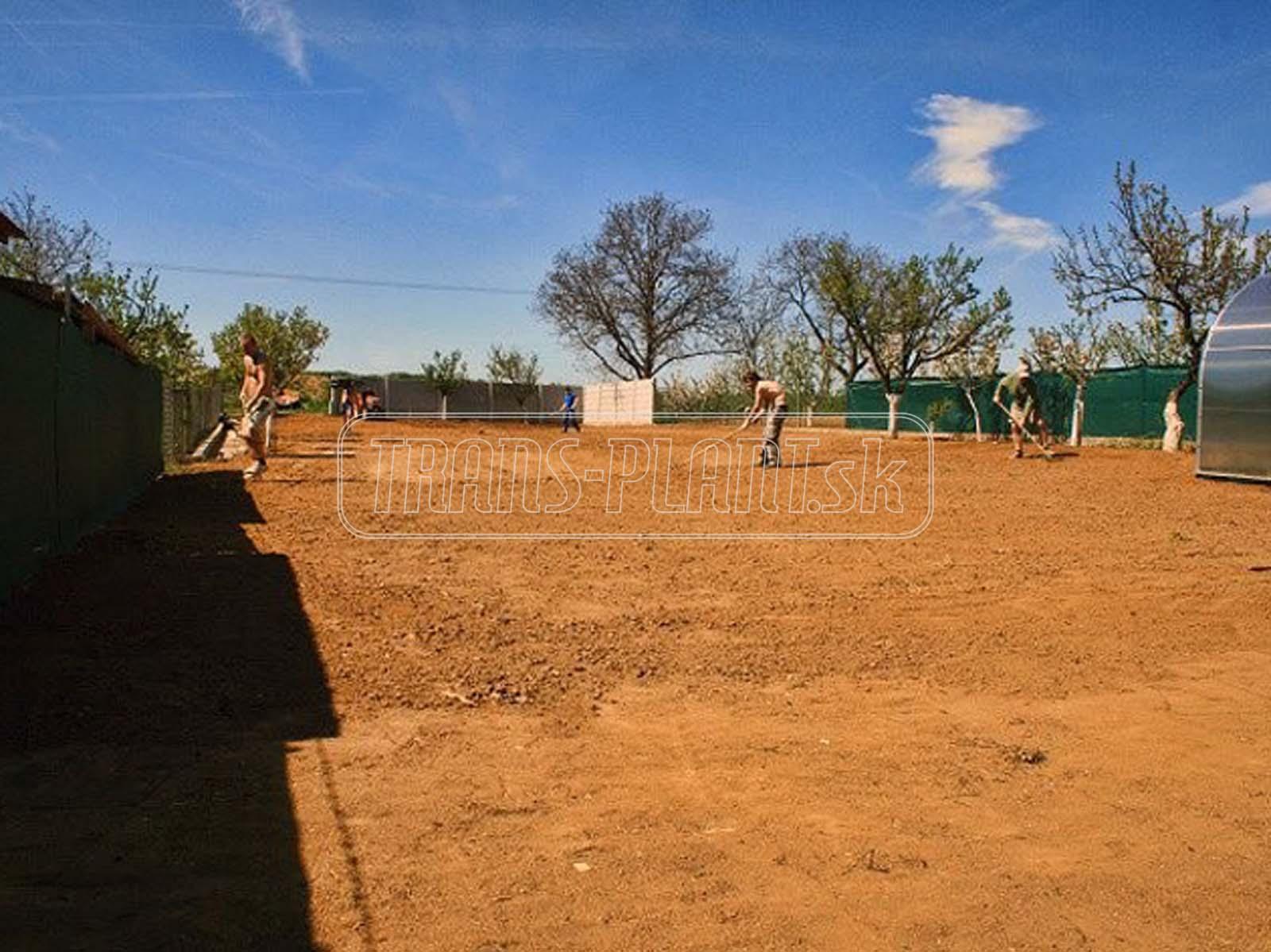 Príprava pôdy pod trávnik